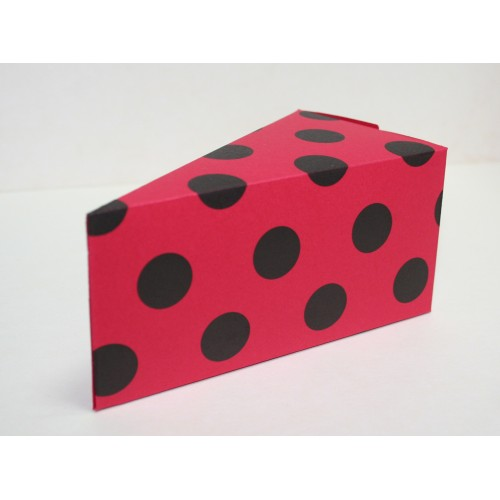 Парченце от Хартиена  торта  червена на черни точки  Модел 30004